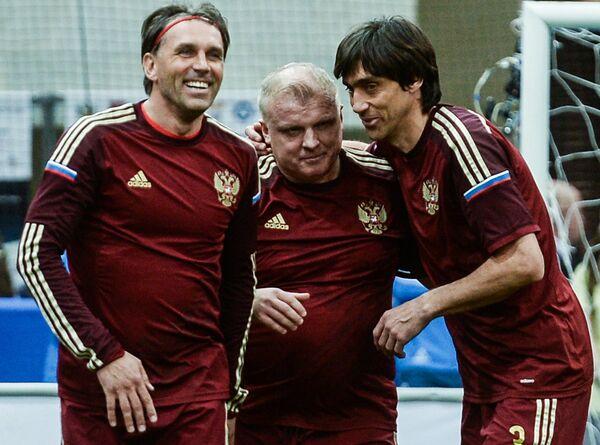 Игроки сборной России Олег Карнаухов, Сергей Кирьяков и Юрий Ковтун (слева направо)