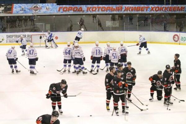 Хоккеисты после матча ВХЛ Челмет - ТХК