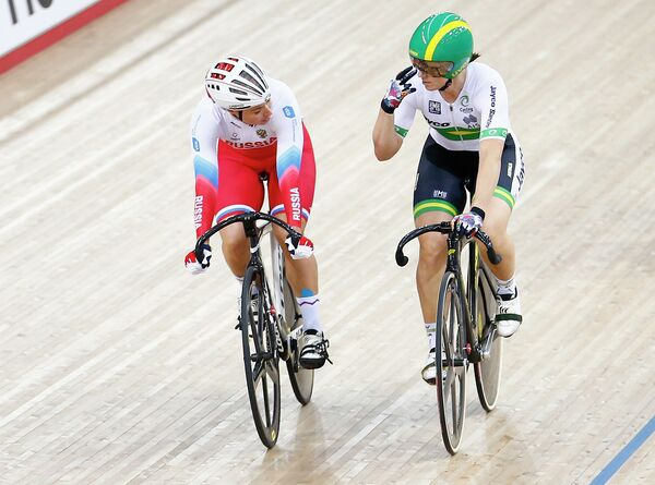 Екатерина Гниденко и Анна Мирс (слева направо) на чемпионате мира по трековым велогонкам