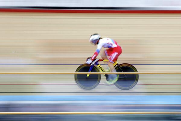 Анастасия Войнова на дистанции в гите на чемпионате мира по трековым велогонкам