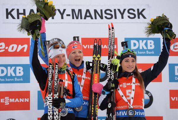 Мари Дорен-Абер - второе место, Кайса Мякяряйнен - первое место, Доротея Вирер - третье место (слева направо)