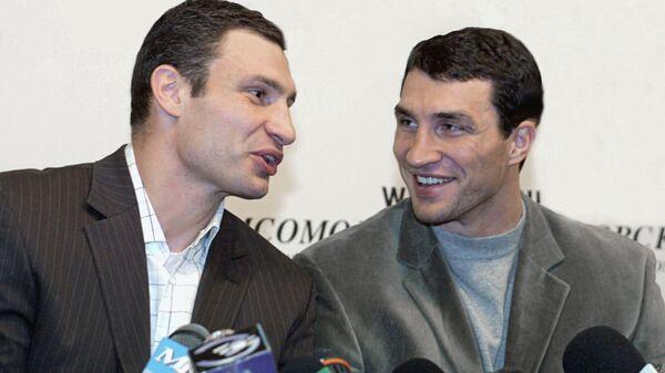Виталий (слева) и Владимир Кличко