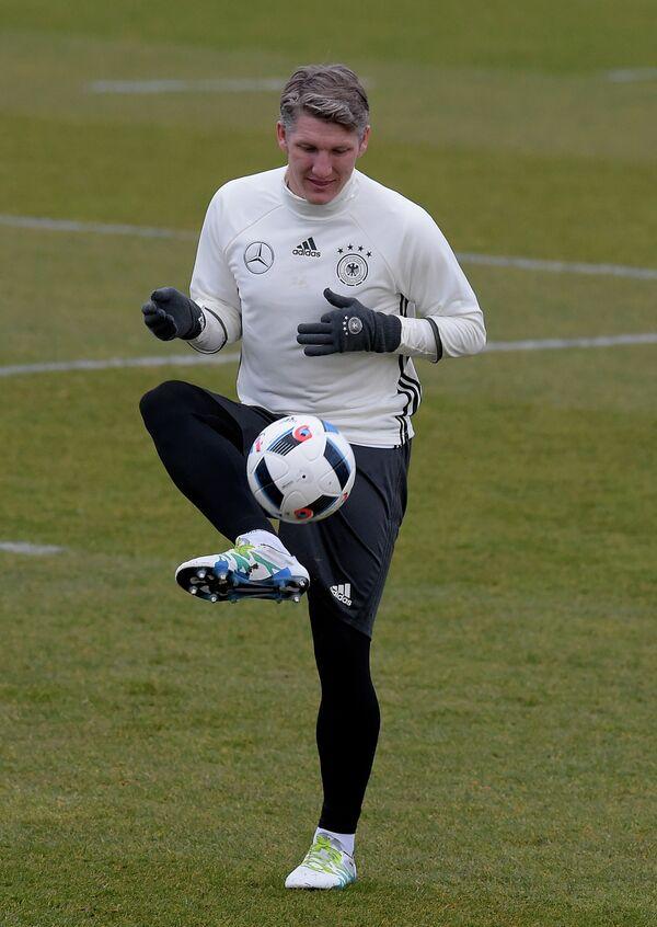 Полузащитник сборной Германии по футболу Бастиан Швайнштайгер