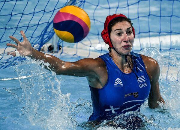 Ватерполистка сборной Греции Элени Кувду