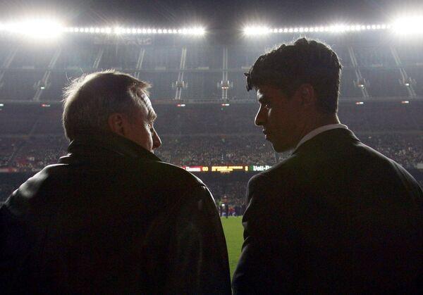 Йохан Кройф (слева) и Франк Райкард, 2004 год