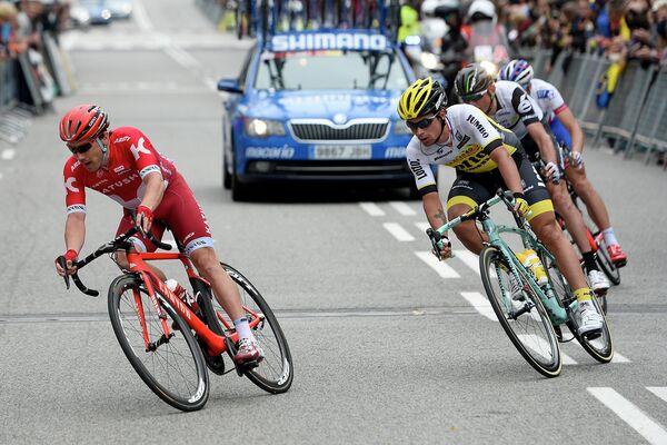 Велогонщик команды Катюша Алексей Цатевич (слева)