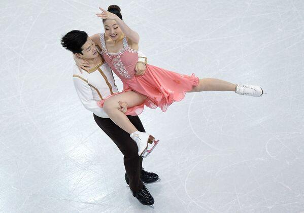 Майя Шибутани и Алекс Шибутани (США)