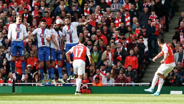 Игровой момент матча Арсенал - Кристал Пэлас