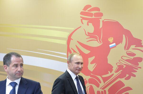Владимир Путин (справа) и Михаил Бабич