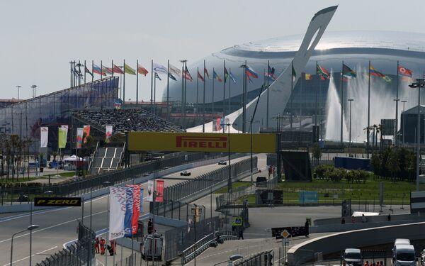 Вид на гоночную трассу Сочи Автодром