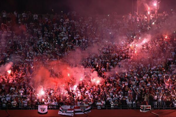 Болельщики Сан-Паулу на матче Кубка Либертадорес