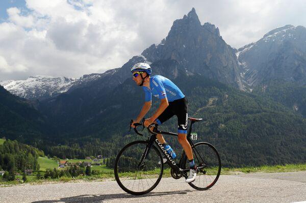 Велогонщик Газпром-Русвело Александр Фолифоров на 15-м этапе Джиро д'Италия