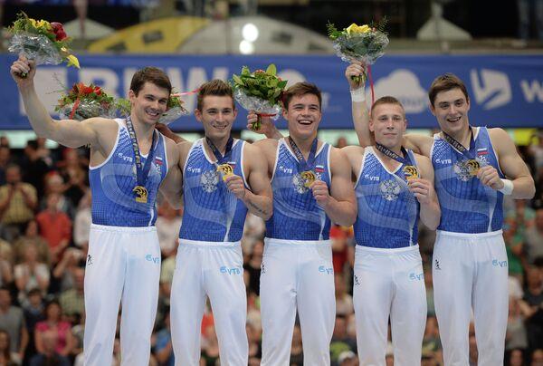 Российские гимнасты Николай Куксенков, Давид Белявский, Никита Нагорный, Денис Аблязин и Никита Игнатьев (слева направо)