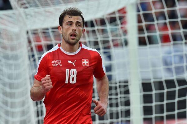 Форвард сборной Швейцарии по футболу Адмир Мехмеди