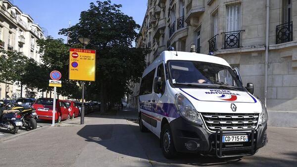 Автомобиль полиции в Париже