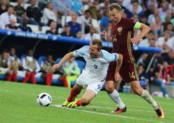 Игровой момент матча Англия - Россия