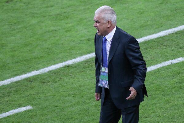 Главный тренер сборной Румынии Ангел Йордэнеску