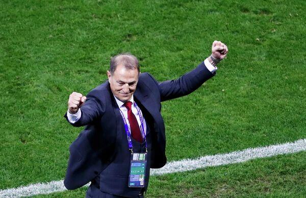 Главный тренер сборной Албании по футболу Джанни Де Бьязи