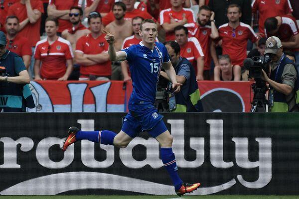 Нападающий сборной Исландии Йон Бедварссон