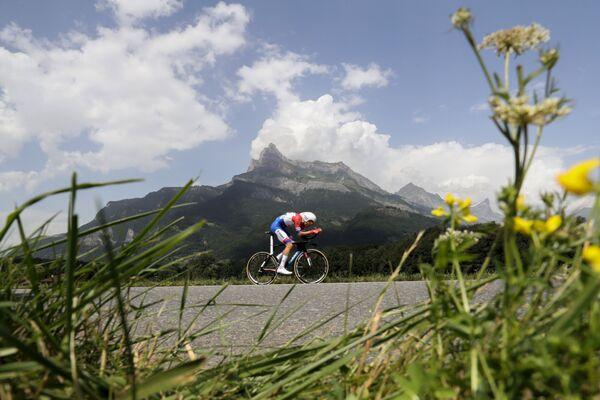 Голландский велогонщик команды Giant-Alpecin Том Дюмулен